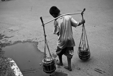 pobreza em preto e branco